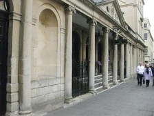 The Pump Room entrance facing the Cross Bath